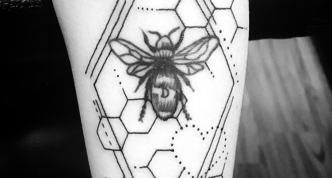 As one of the most industrious and loyal species, the bee has become a well-loved tattoo design.