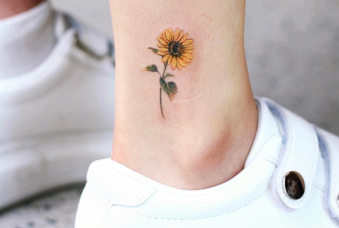 Sunflower Tattoo Designs have a ton of potential for every tattoo fan. They can be made to represent everything from faith to fertility.